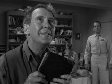 the-twilight-zone-the-obsolete-man-2